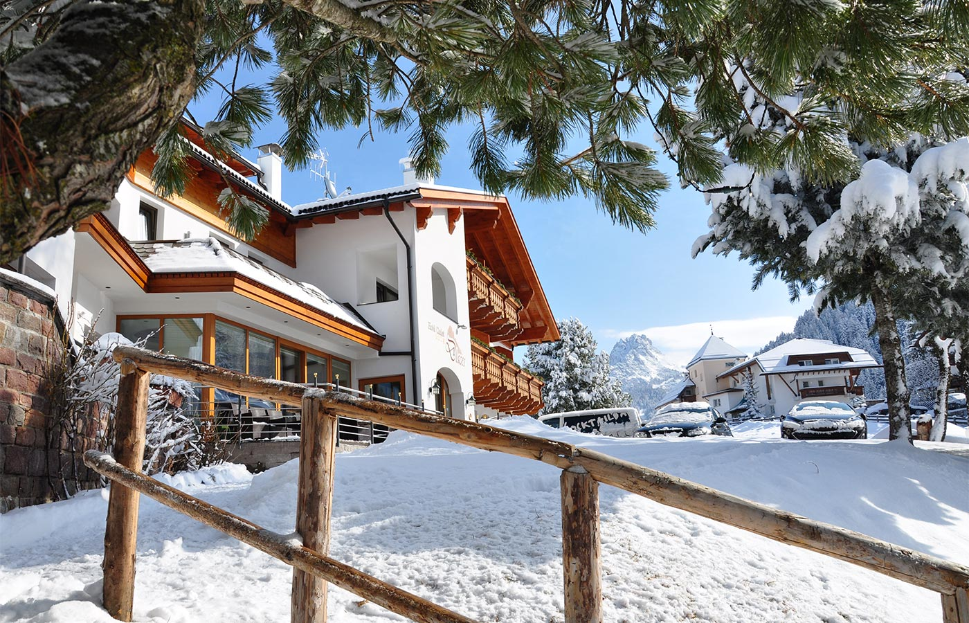 das Chalet Dlaces im Winter